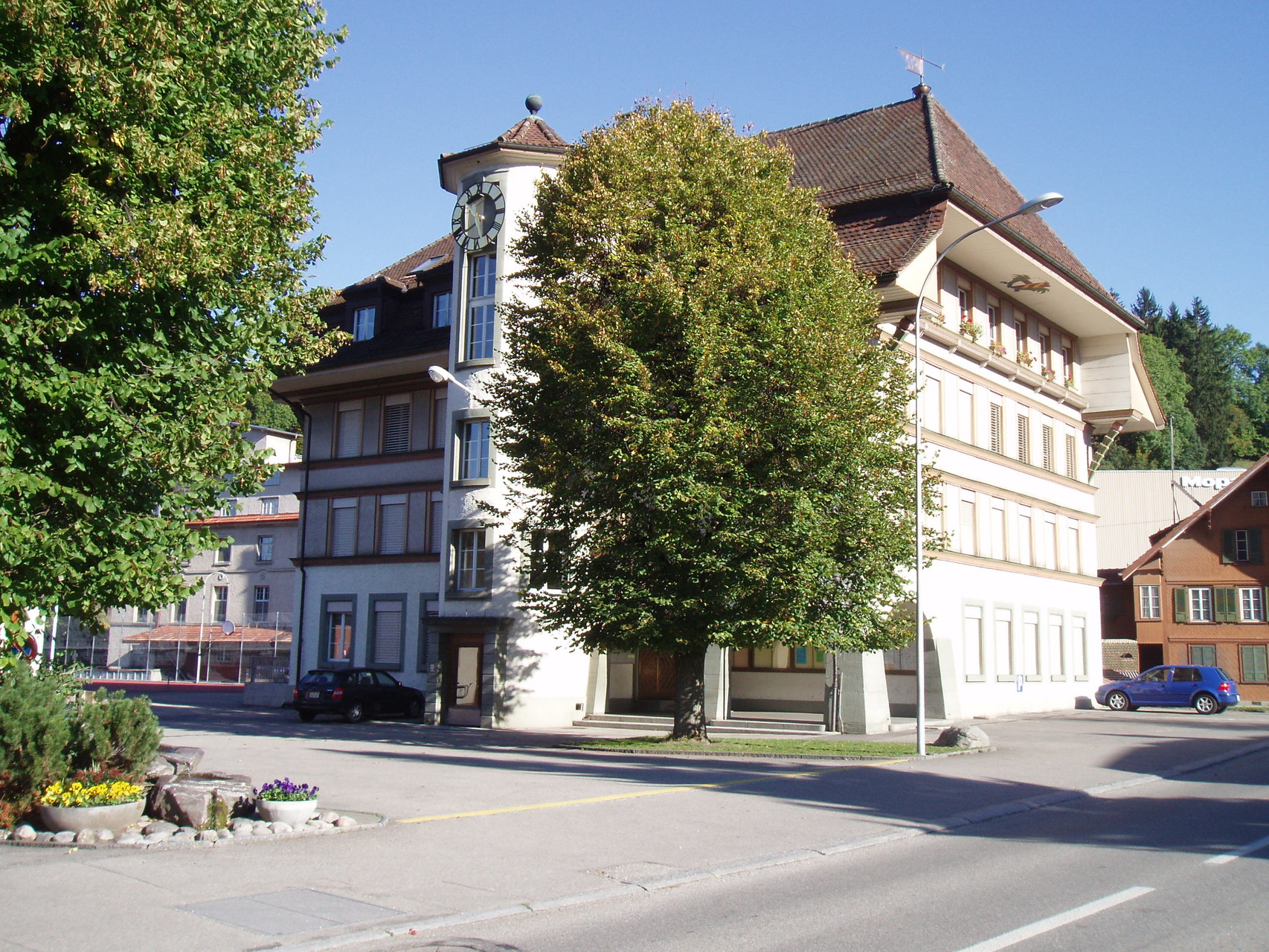 Schulhaus Dorf
