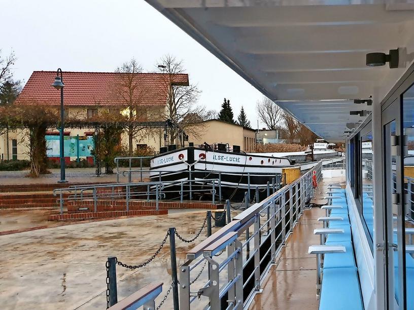 Auf demAuf dem Weg nach Berlin, Überführung von der Kiebitzberg-Werft zum Heimatanleger in Treptow (Quelle MAZ)