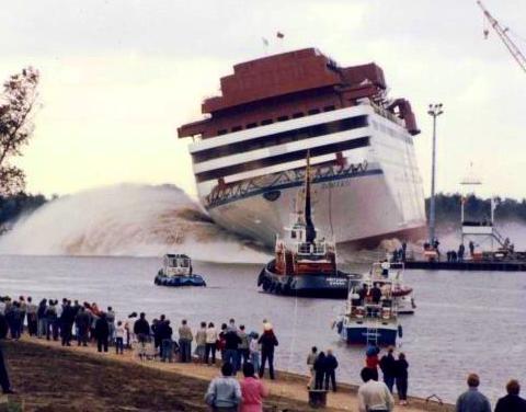 """Abbildung 10: 1984, Querstapellauf der """"Homeric """"(Quelle Meyer Werft)"""