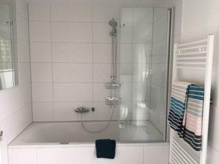 Whirlpool mit Dusche oben