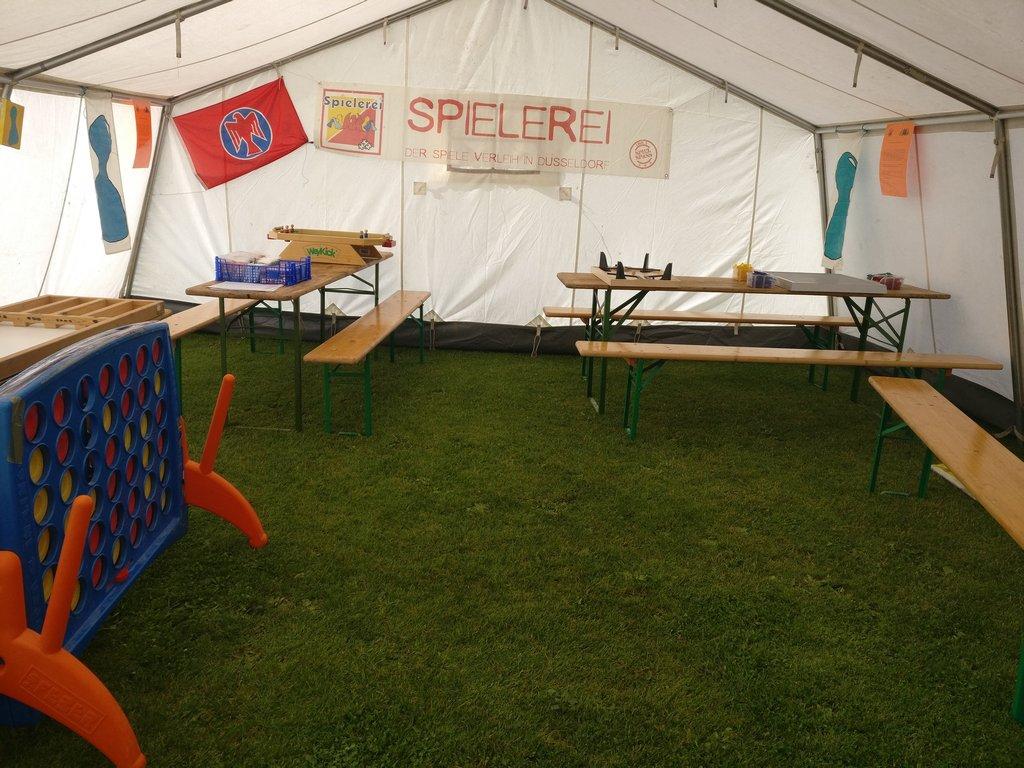 Das Zelt steht, die Dekoration hängt und alle Spiele sind bereit.