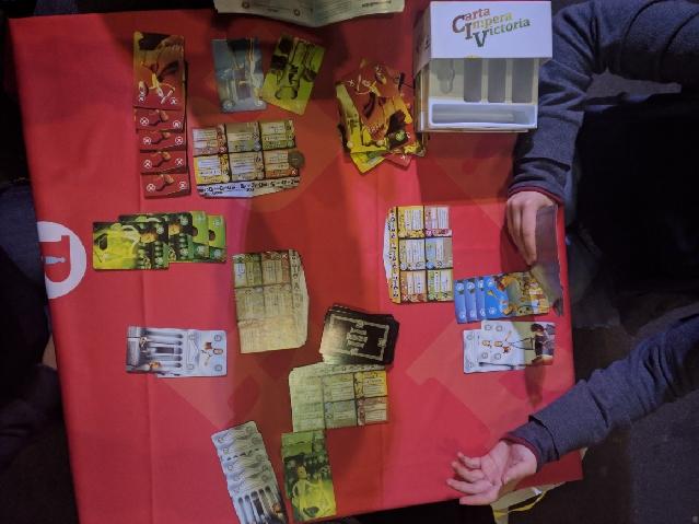 """Jeder gegen jeden im Zivilisations-Kartenspiel """"CIV: Carta Impera Victoria"""""""