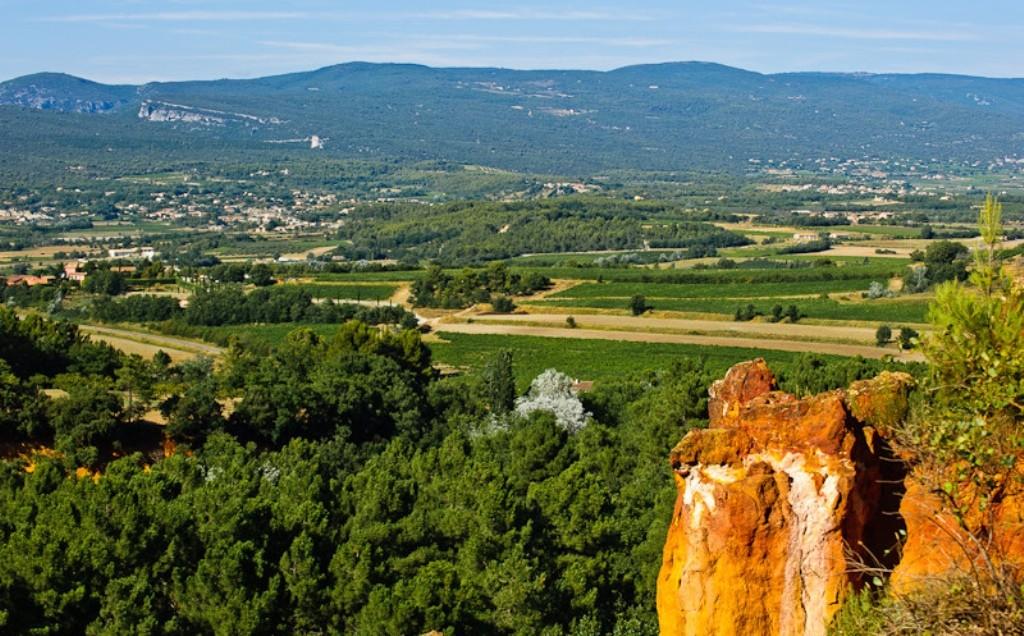 Вид на долину Люберона и горы