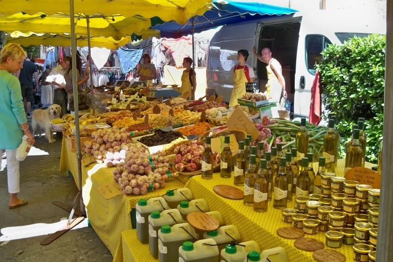 Рынок в Иль-сюр-ля-Сорг