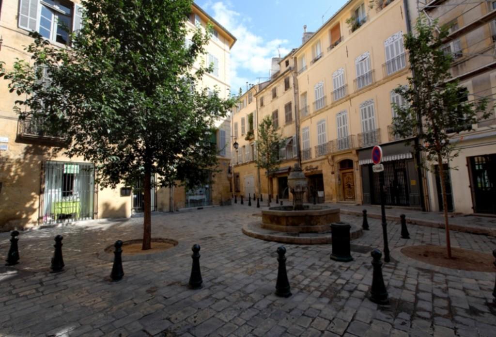 Площадь трёх вязов Экс-ан-Прованс