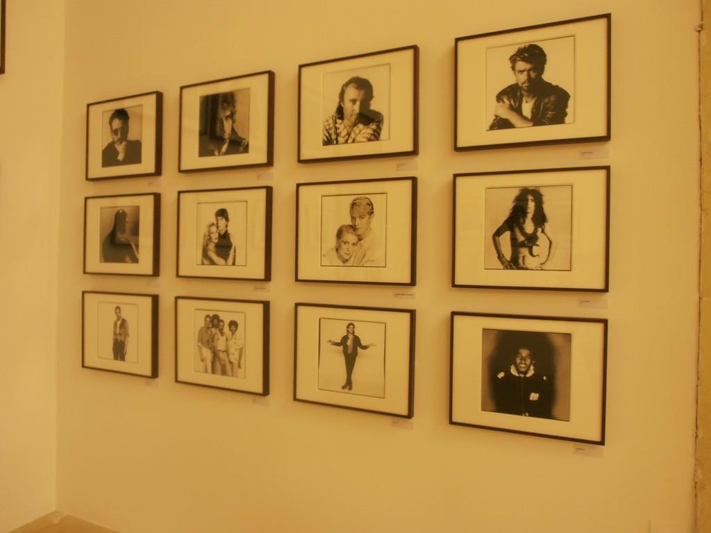Серия фотографий с известными исполнителями