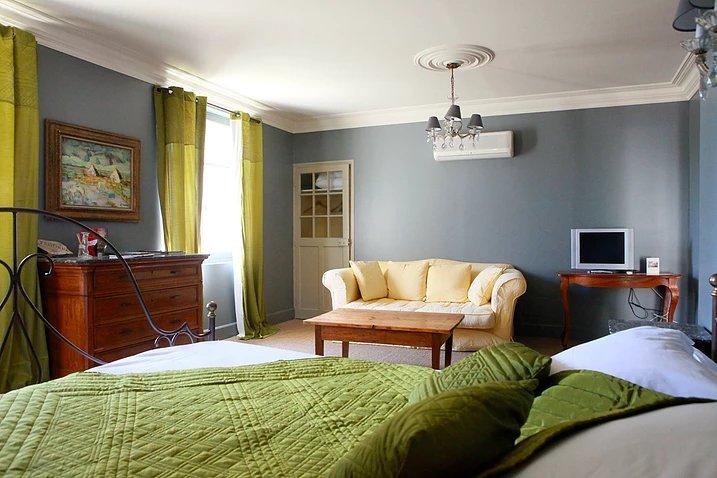уютная комната на втором этаже