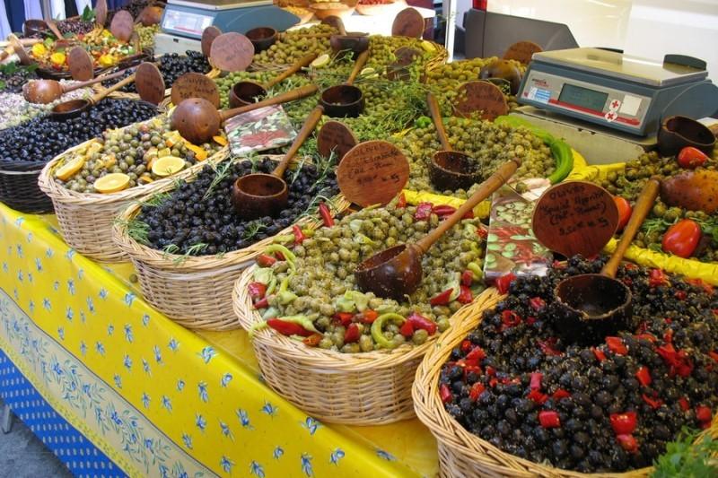 Маринованные и фаршированные оливки
