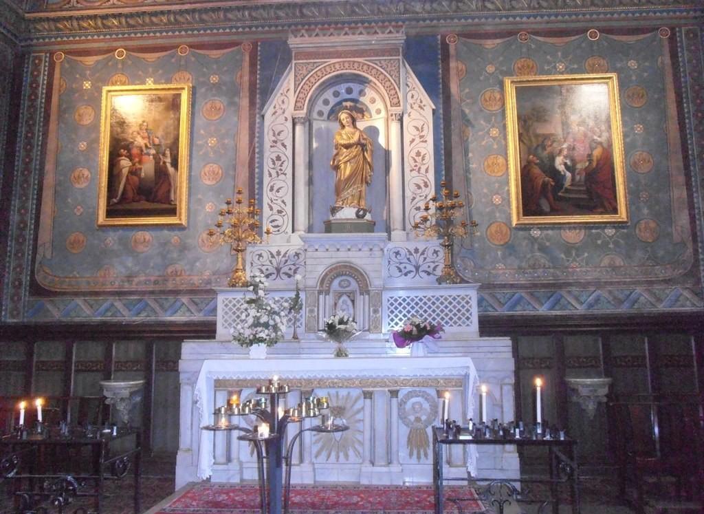 Алтарь собора Богоматери из Назарета в Оранже
