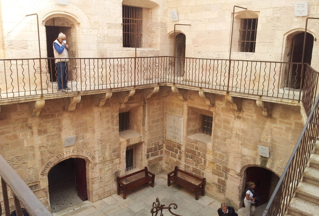 Камеры заключенных замка Иф