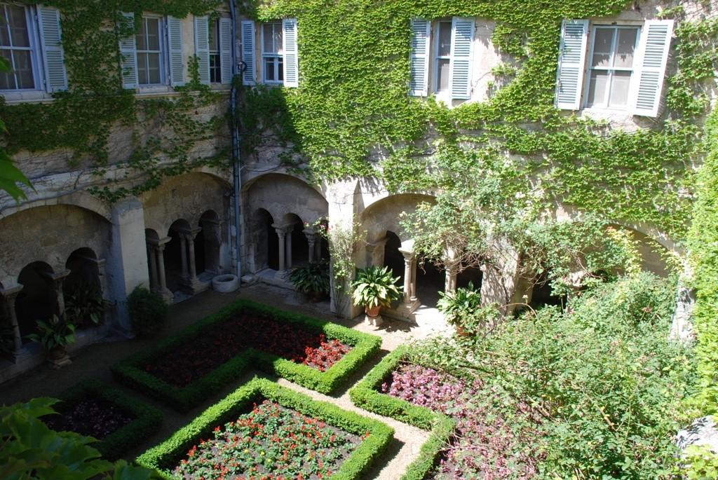 Клуатр монастыря Сен-Поль-де-Мозоль -