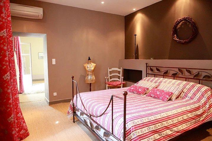 первая комната - спальня