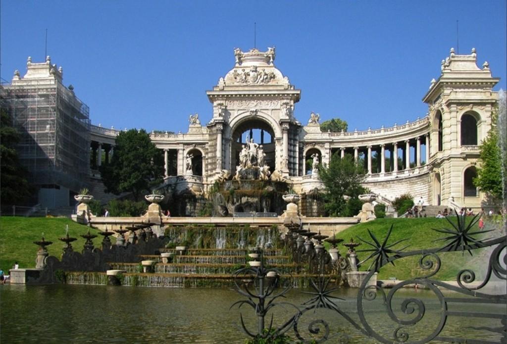 Дворец Лоншан в Марселе