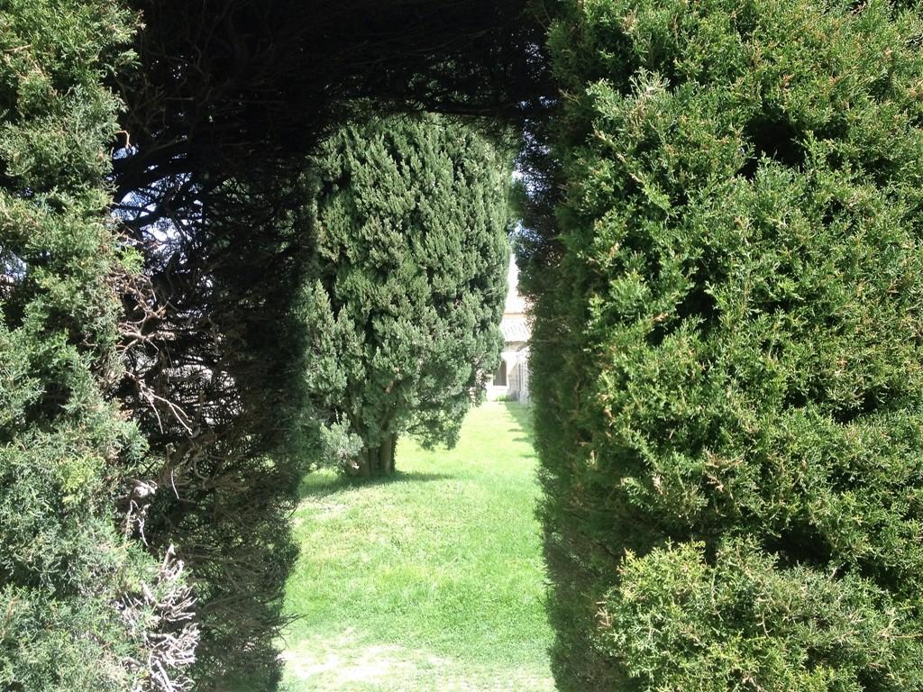 Сады монастыря Нотр-Дам-дю-Валь-де-Бенедиксьон