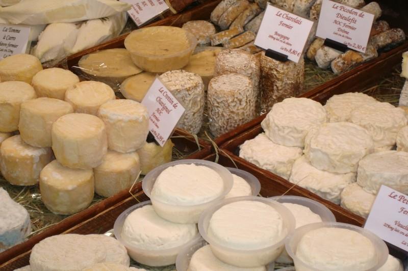 Козий сыр на провансальском рынке