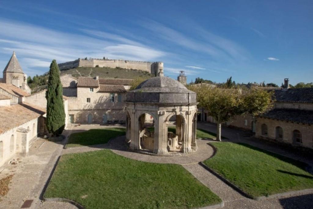 Монастырский клуатр Святого Иоанна Крестителя - Вильнёв-лез-Авиньон