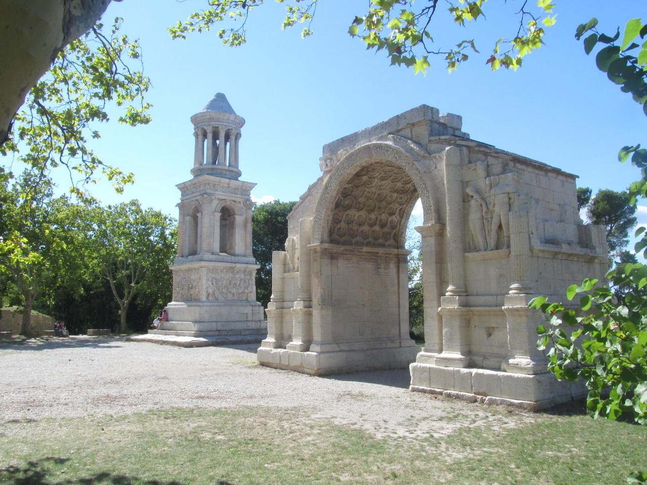 Кенотаф и Триумфальная Арка