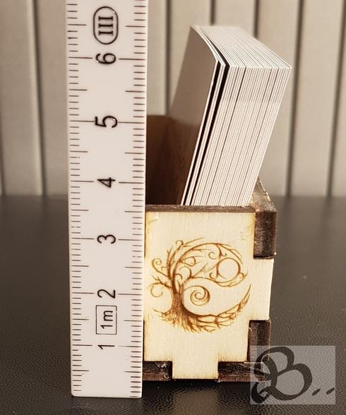 Holzwerk Peter Stoiber - Lasergravur - verzierte Visitenkartenbox