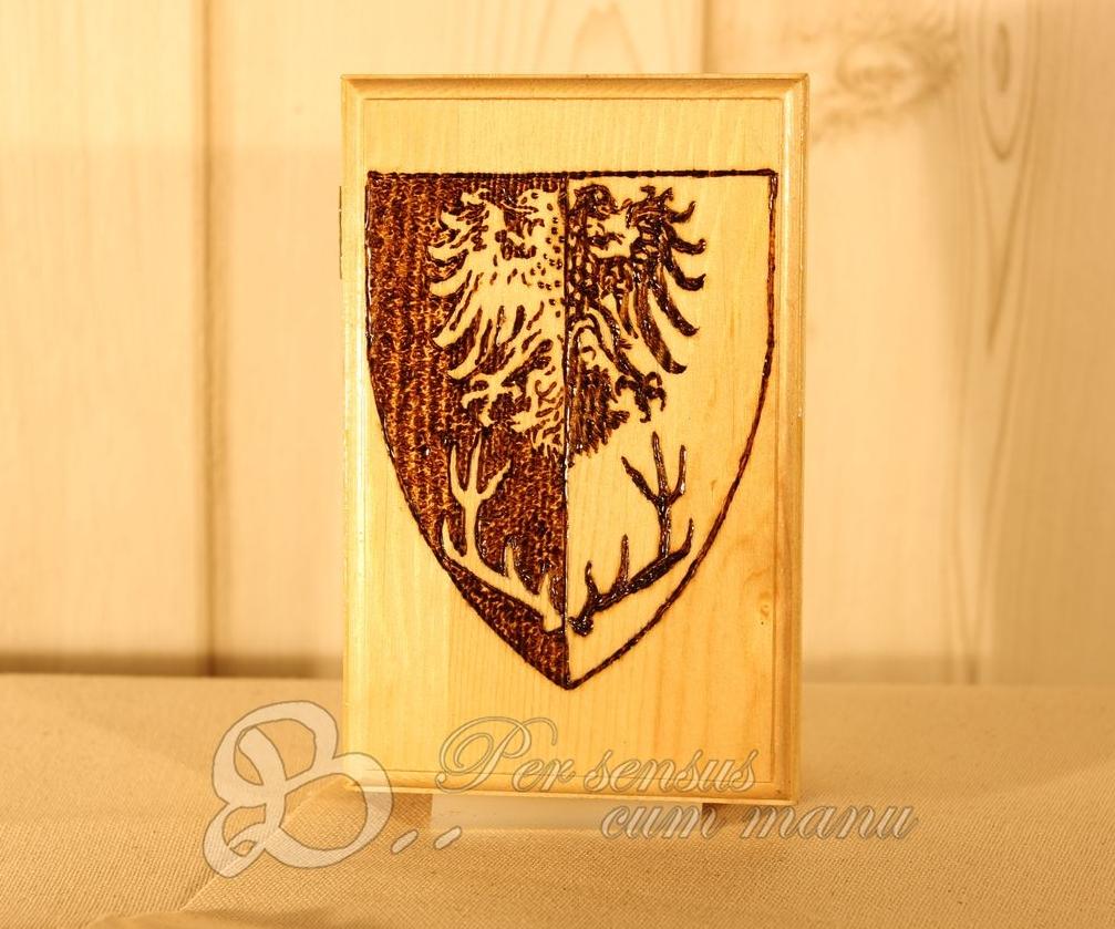 Holzwerk PS - Brandmalerei - Wappen auf Holzkiste für LARP