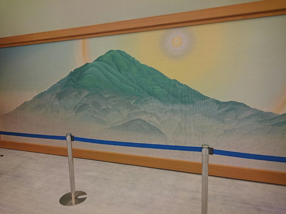 夕映の間(ゆうばえのま)  東の雄・比叡山の夕景