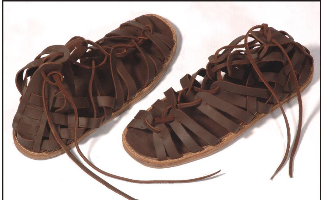 Sandales greco-romaines - I-XIème. Réf. GDFB-SH-002. Brun foncé seulement / size/pointures : 39/44.5 Prix: 80 €