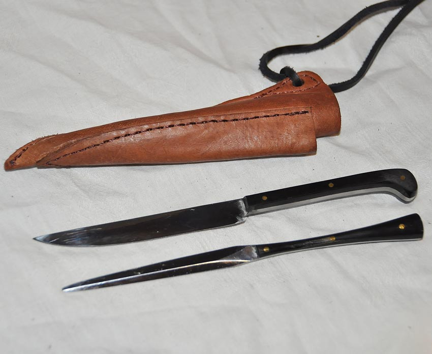 couteau longueur 17,7cm avec pique manches en corne ou os réf. Art.No.: VM000204 - Prix: 55 €