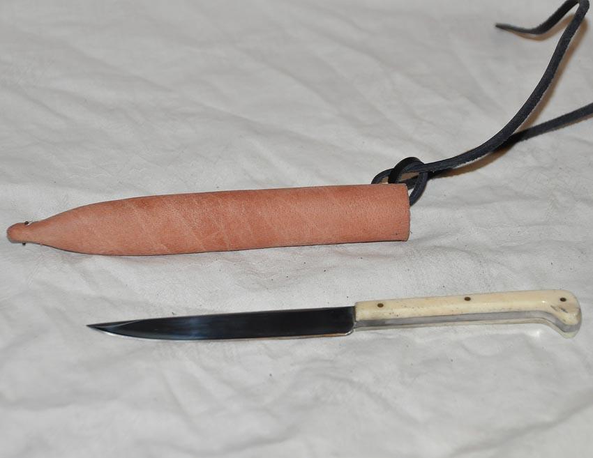 couteau longueur 17,7cm manche en corne, bois ou os réf. Art.No.: VM000204 - Prix: 45 €