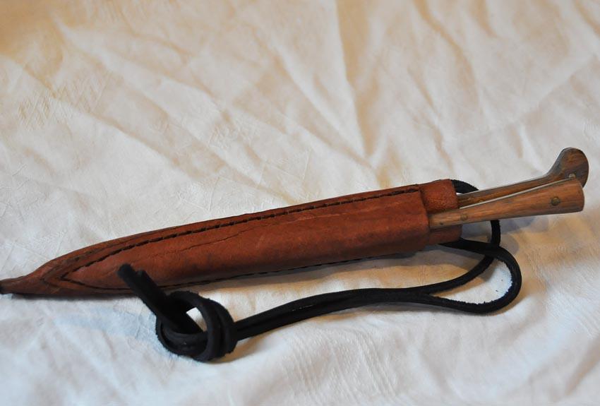 couteau longueur 17,7cm avec pique manches en bois réf. Art.No.: VM000204 - Prix: 55 €