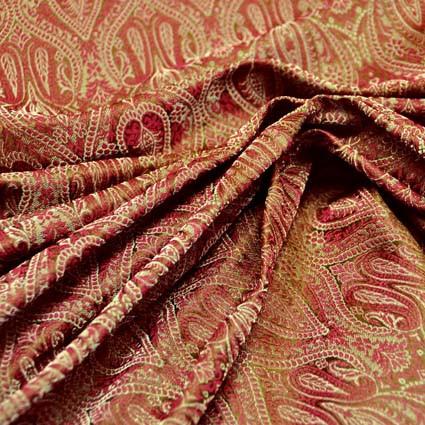 Les belles matières : la soie, le damassé et le brocart