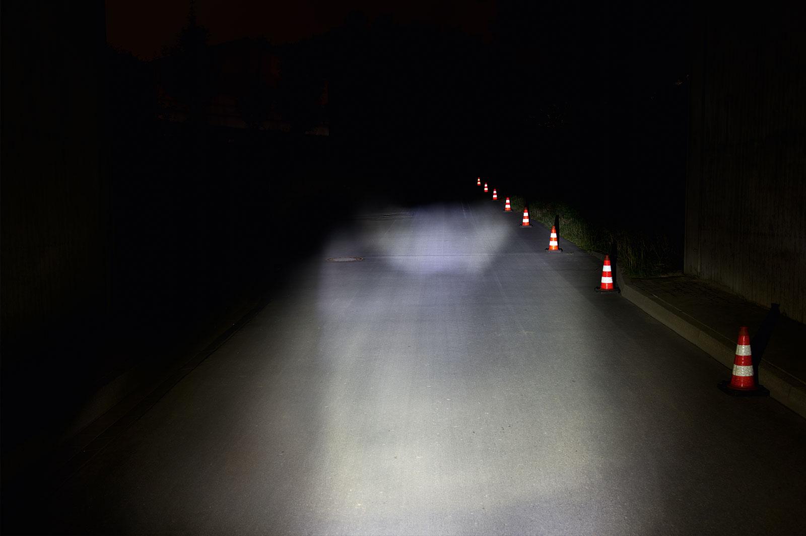e-Bike Beleuchtung mit einer Lichtmenge von 30 LUX