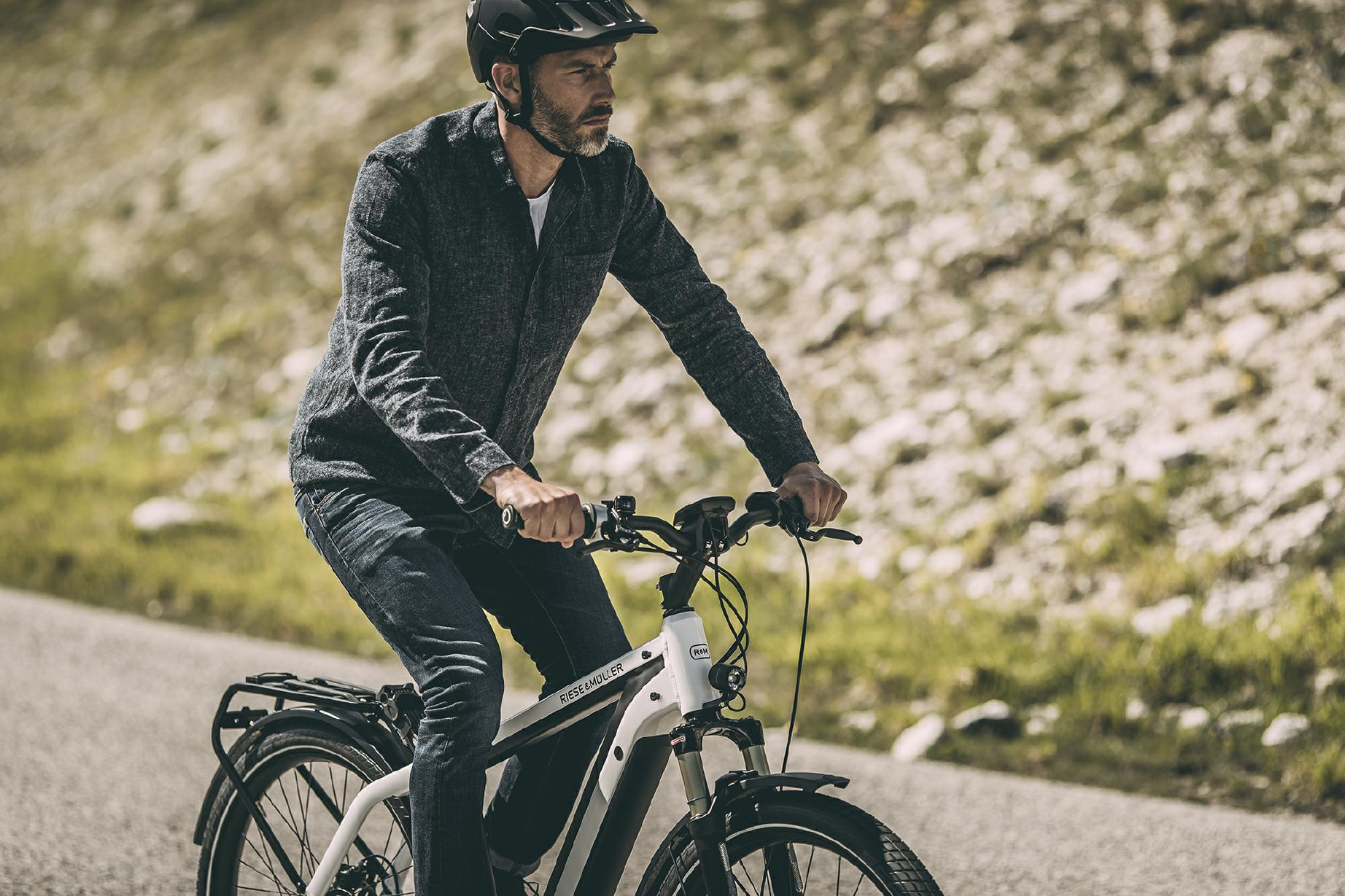 riese und m ller new charger trekking e bike speed pedelec 2018 e motion e bikes. Black Bedroom Furniture Sets. Home Design Ideas