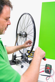 Schweizer Experten bei der e-Bike Inspektion