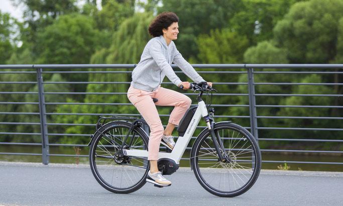 Ergonomie ist das Stichwort für unbeschwertes und stundenlanges Fahren mit dem e-Bike. Ist das e-Bike optimal auf Sie eingestellt, bringt dies viele Vorteile mit sich.