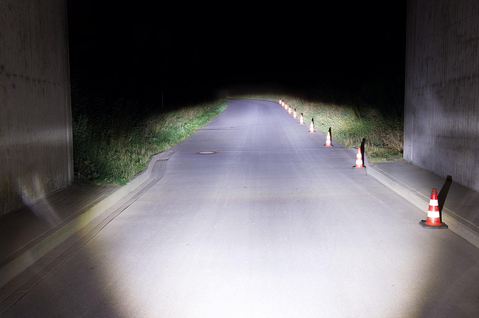 e-Bike Beleuchtung mit einer Lichtmenge von 150 LUX