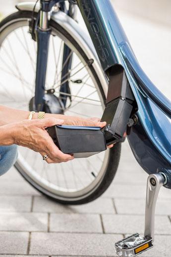 e-Bike Akku herausnehmen