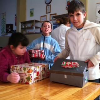 Geschenke für Kinder im Blindenheim in Derventa an
