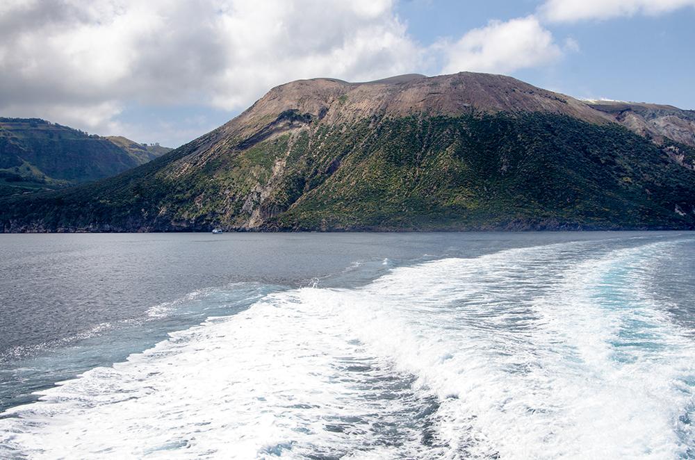 Fototapete  Vulkan und Berge