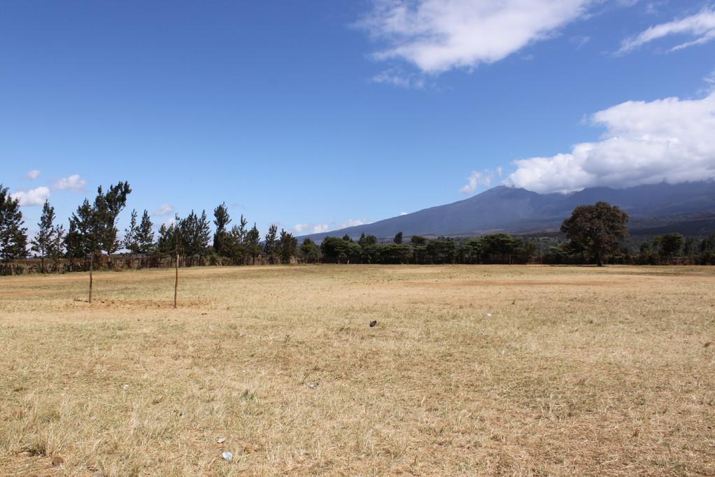 Der Sportplatz der Kikelelwa Primary School
