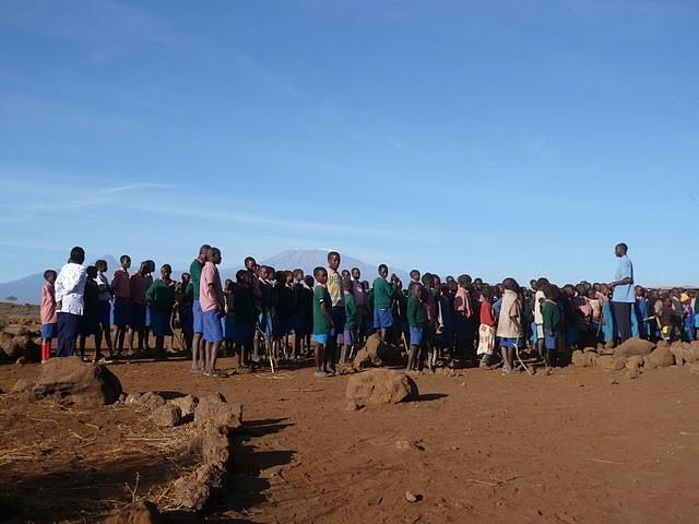 Morgenappell an der Kalesirwa Primary School