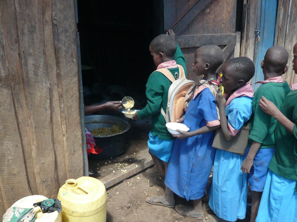 Die Mahlzeit besteht aus Mais und Bohnen