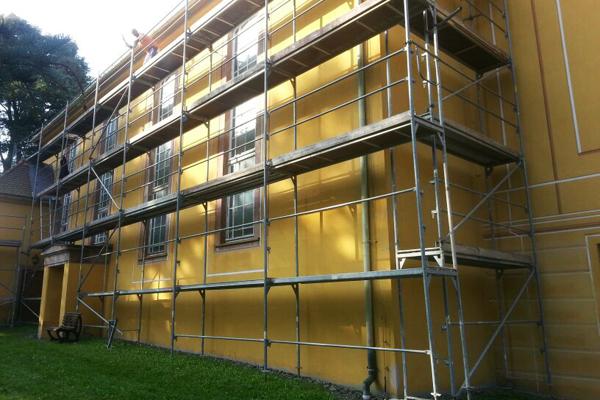 Gerüstbau Martin in 09573 Augustusburg OT Schellenberg- Gerüst für einen neuen Fassadenanstrich