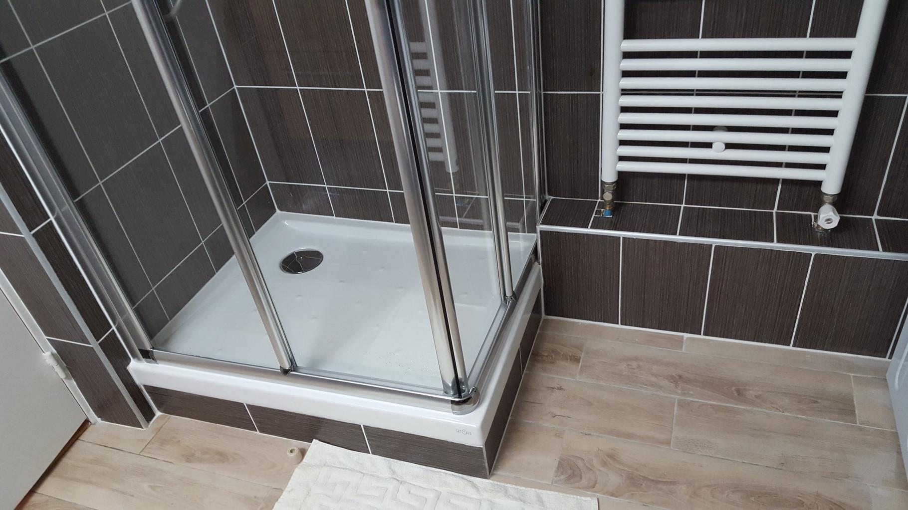 nouvelle douche et pose du sèche serviettes