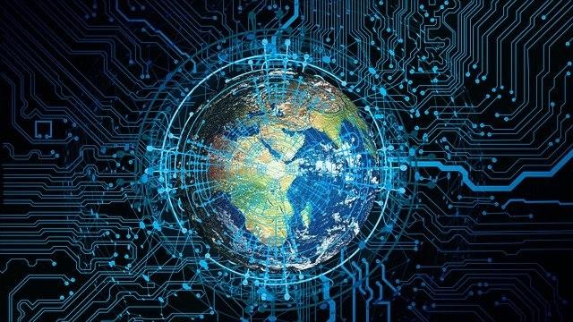 Le plus inquiétant est la mise en place d'une dictature au niveau mondial au nom de la santé et de la sécurité sur le modèle de pays dictatoriaux qui utilisent déjà une technologie de pointe avec traçage de l'individu, reconnaissance faciale, QR code...