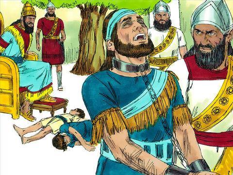 Ils s'emparèrent du roi et le firent monter vers le roi de Babylone à Ribla. On prononça un jugement contre lui. Les fils de Sédécias furent égorgés en sa présence, puis on lui creva les yeux, on l'attacha avec des chaînes en bronze jusqu'à Babylone.