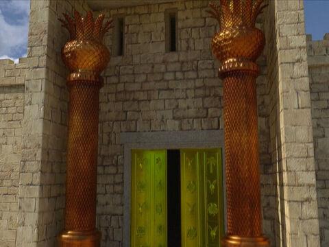 La construction du Temple commence la 4ème année de règne de Salomon et va durer 7 ans. Le sanctuaire est couvert intérieurement d'or pur. La magnificence de ce Temple extraordinaire! La magnificence de ce Temple extraordinaire reflète la gloire de Dieu!