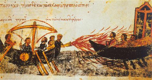 Le soufre a été employé pour ses propriétés combustibles. Au Moyen-âge, il entrait dans la composition du feu grégeois (mélange hautement inflammable composé entre autres de résines, de naphte, de soufre et peut-être de bitume).