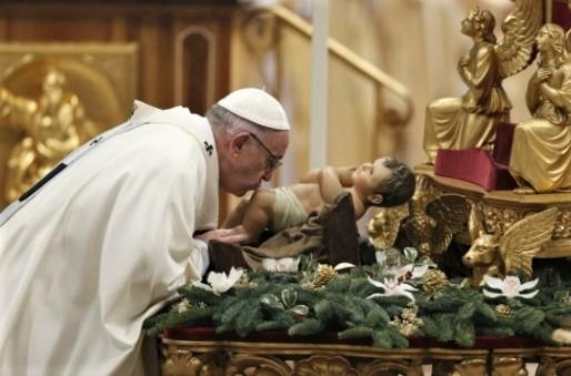 Toute effigie à son image, statue, icône, représentation dans le but de le vénérer doit être bannie car interdite.  Le fait de se prosterner, de s'agenouiller, d'embrasser une statue ou une image représentant Jésus ou la croix, c'est de l'idolâtrie.