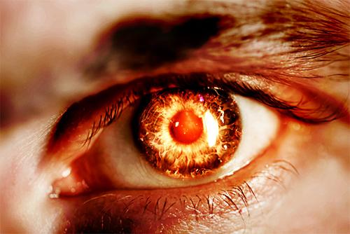Les yeux de Jésus sont comme une flamme de feu, ils sont perspicaces et purificateurs. Ils observent chaque détail avec un parfait discernement. Rien n'est caché devant lui, « tout est nu et découvert aux yeux de celui à qui nous devons rendre compte »