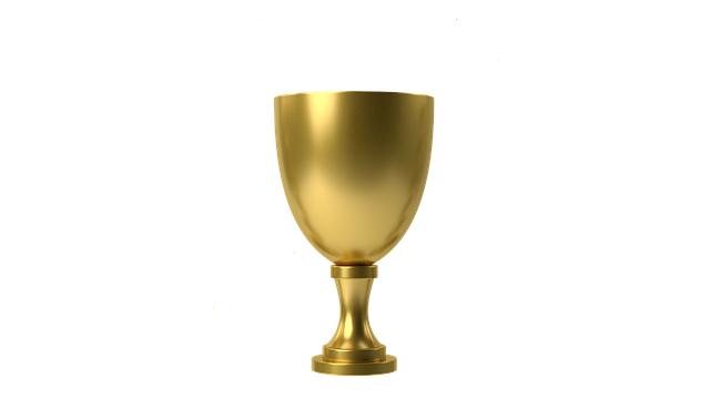 Dans le verset d'Apocalypse 5 :8, les coupes sont en or, ce qui indique leur grande valeur. Elles contiennent les prières des saints qui sont comme des parfums : agréables, faisant monter vers Dieu des paroles d'amour, de reconnaissance, de vénération