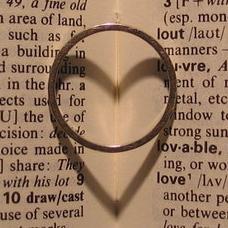 Soyons fidèles à nos engagements de mariage, démontrons notre attachement, notre amour, notre respect, notre amitié à notre conjoint.